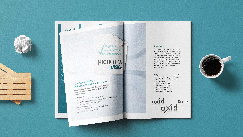 Mockup Highclean Group Eigenmarkenbroschüre Innen